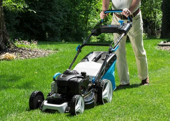 residential-lawn-mowing service