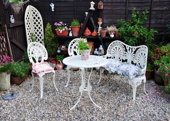 outdoor-garden-furnitire
